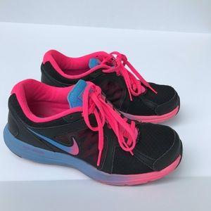 Nike dual fusión shoes
